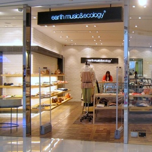 earth music & ecology clothing store APM Hong Kong
