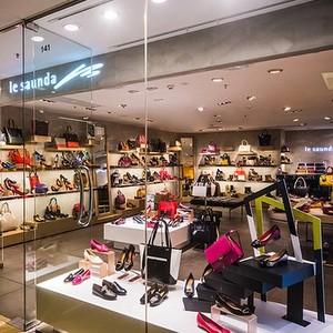 le saunda shoe store Cityplaza Hong Kong