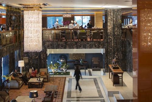 Clipper Lounge fine dining buffet restaurant Mandarin Oriental Hong Kong.