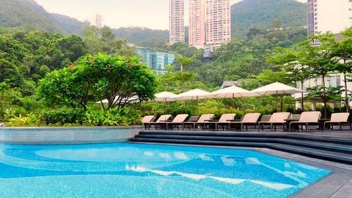 JW Marriott Hotel Hong Kong swimming pool.
