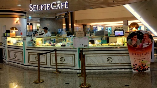 Selfie Café Times Square Hong Kong.