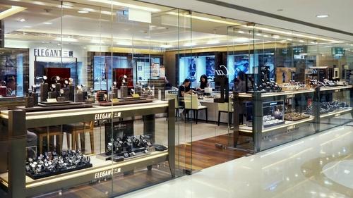 Elegant Watch & Jewellery store Harbour City Hong Kong.