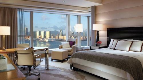 Four Seasons Hotel Hong Kong Deluxe Room.