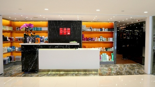 HH Hair & Nail salon Harbour City Hong Kong.