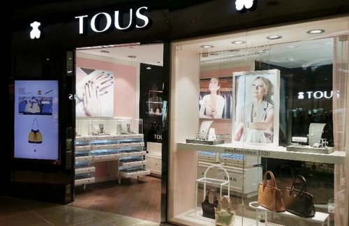 TOUS jewellery and accessory store Lee Gardens - Hysan Place Mall Hong Kong.