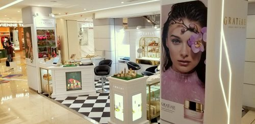 Gratiae beauty boutique at Fashion Walk mall in Hong Kong.