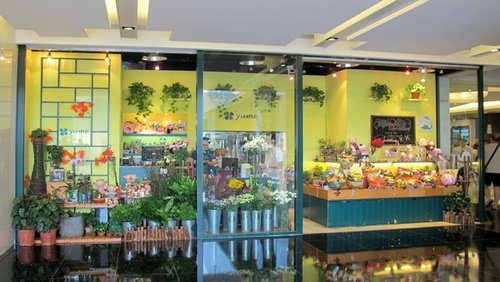 Yume flower shop in APM shopping center in Hong Kong.