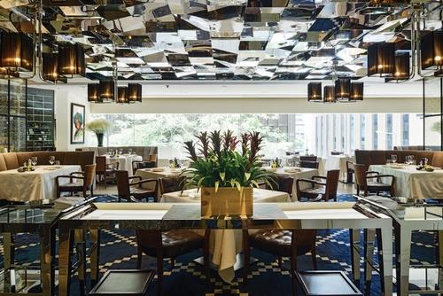8 1/2 Otto e Mezzo BOMBANA Italian fine dining restaurant Landmark Alexandra Hong Kong.