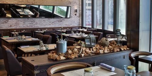 LIBERTY EXCHANGE Kitchen & Bar's bistro section Landmark Hong Kong.