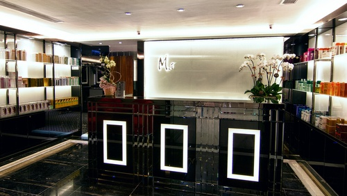 M.i Salon Landmark Hong Kong.