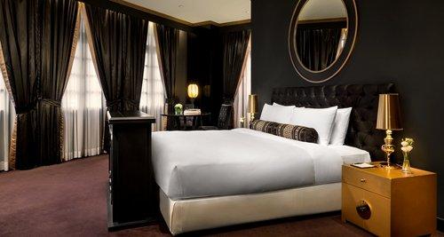 Tung O Suite at Hullett House hotel Hong Kong.