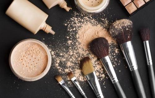 A Beauty Bar cosmetics tools - brushes.