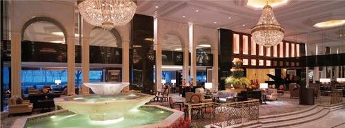 Kowloon Shangri-La Hotel Hong Kong lobby.