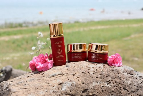 Gratiae Rosa Negra Collection, available in Hong Kong.