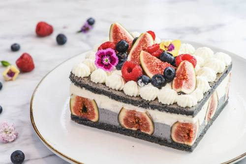 LIFETASTIC Fig & Cheese Charcoal Layer Cake, available in Hong Kong.